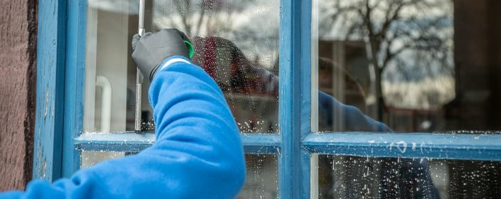 Conseils et astuces pour bien nettoyer vos fen tres apr s for Porte et fenetre quebec
